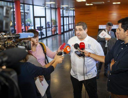 El presidente del Gobierno de Canarias Fernando Clavijo y el chef Erlantz Gorostiza presentan el Menú Solidario Tello